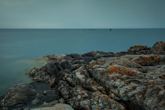 Det är den 8 maj 2013 och klockan är 18:30 och havet ligger stilla.